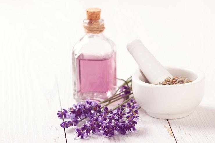 アロマテラピー 芳香療法